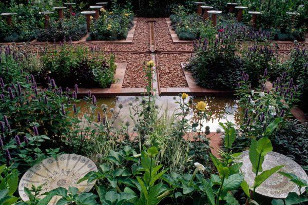 Création Rachid Koraïchi Festival des jardins de Chaumont sur Loire 41 France