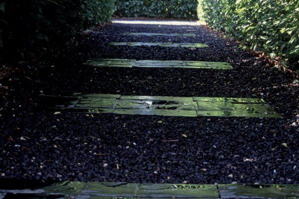 L'oeuvre au noirPaysagistes: Ossart-Maurières Jardin de l'Alchimiste 13 France
